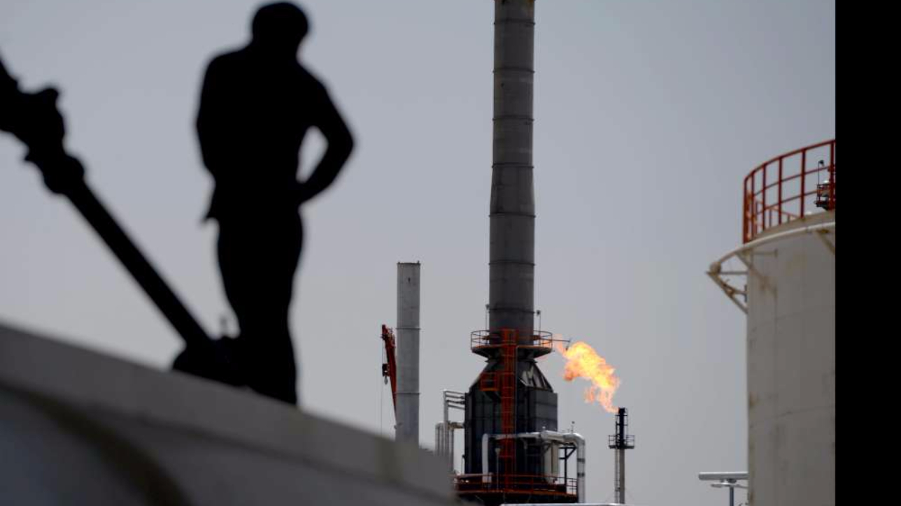 Petrolio, intesa tra Russia e Riad per la stabilizzazione dei prezzi del greggio