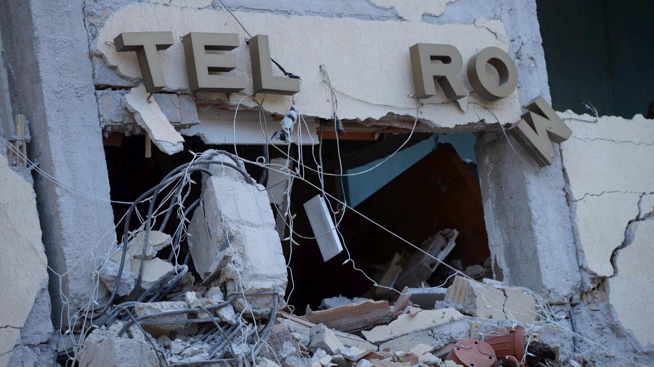 Amatrice, estratta una nuova vittima dalle macerie dell'Hotel Roma: i morti salgono così a 293