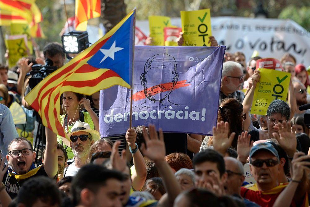 Referendum Catalogna, le ragioni di Barcellona e quelle di Madrid