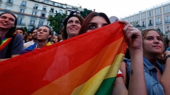 """Padre scopre che la figlia è lesbica: <br> """"La colpa è dell'università di Udine"""""""