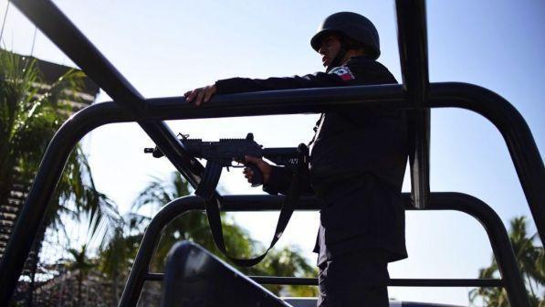 Messico, assalto contro la polizia stradale: uccisi sei agenti
