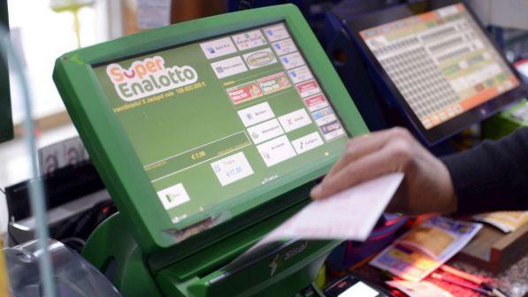 """Superenalotto: centrato un """"6"""" da 130 milioni a Caltanissetta"""