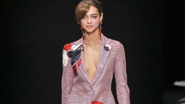 Milano Moda Donna si conclude con Giorgio Armani c6c1e681dd8