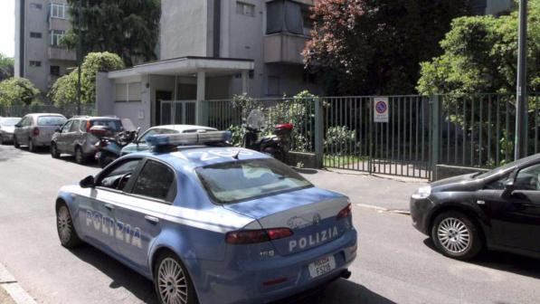 Lite mortale a Napoli, padre strangola il figlio e poi si fa arrestare