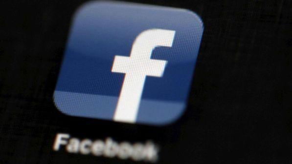 Dati Facebook usati per manipolazioni elettorali, il mercato punisce il titolo