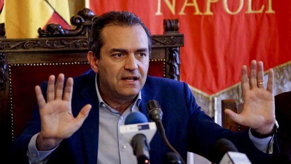 "Migranti, De Magistris: ""Nave Aquarius venga a Napoli"""