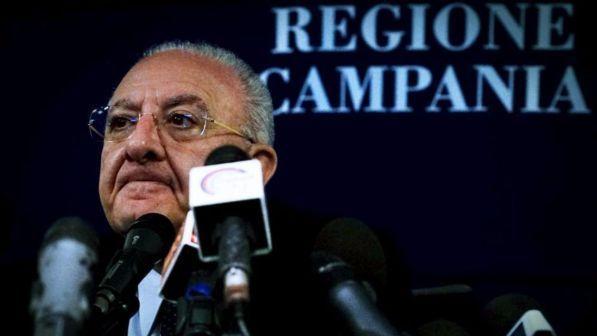 Inchiesta voto di scambio su De Luca, blitz Gdf in Regione Campania