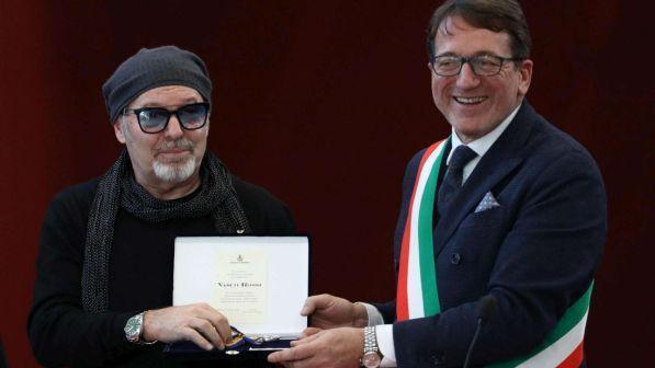 Vasco Rossi riceve le chiavi di Modena: