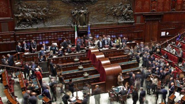 Il pd sfida il m5s sulla legge delle pensioni dei for Numero parlamentari pd