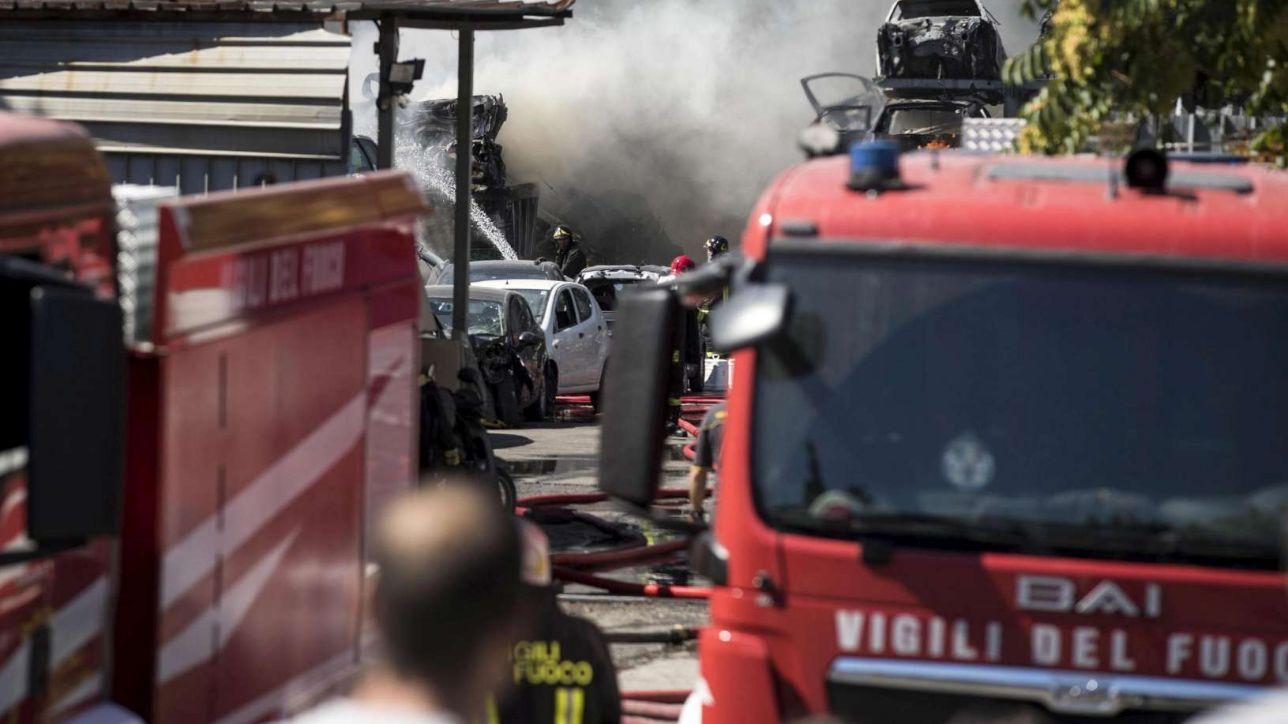 Elicottero Mediaset : Pisa incendio distrugge elicottero privato cc aprono un