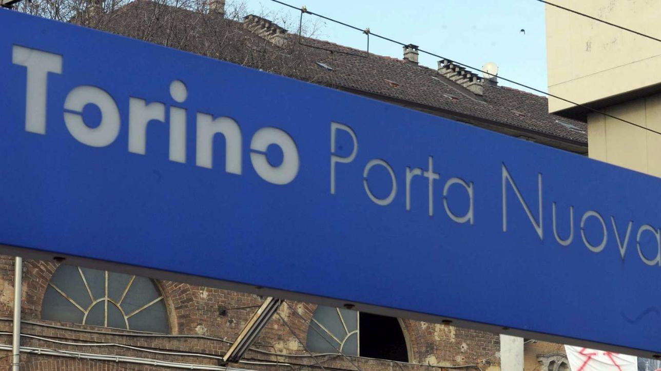 Torino investito dal suo furgone grave un 64enne tgcom24 - Orari treni torino porta nuova genova brignole ...