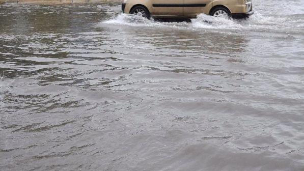 Maltempo esondazioni nel napoletano strade interrotte for Scantinati in texas