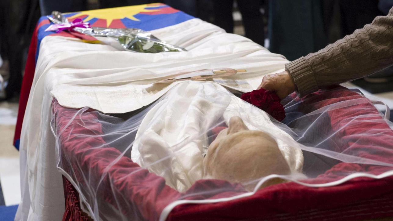 Al Baño Piazza Grande: Pannella, oggi i funerali laici a Roma in Piazza Navona – Tgcom24