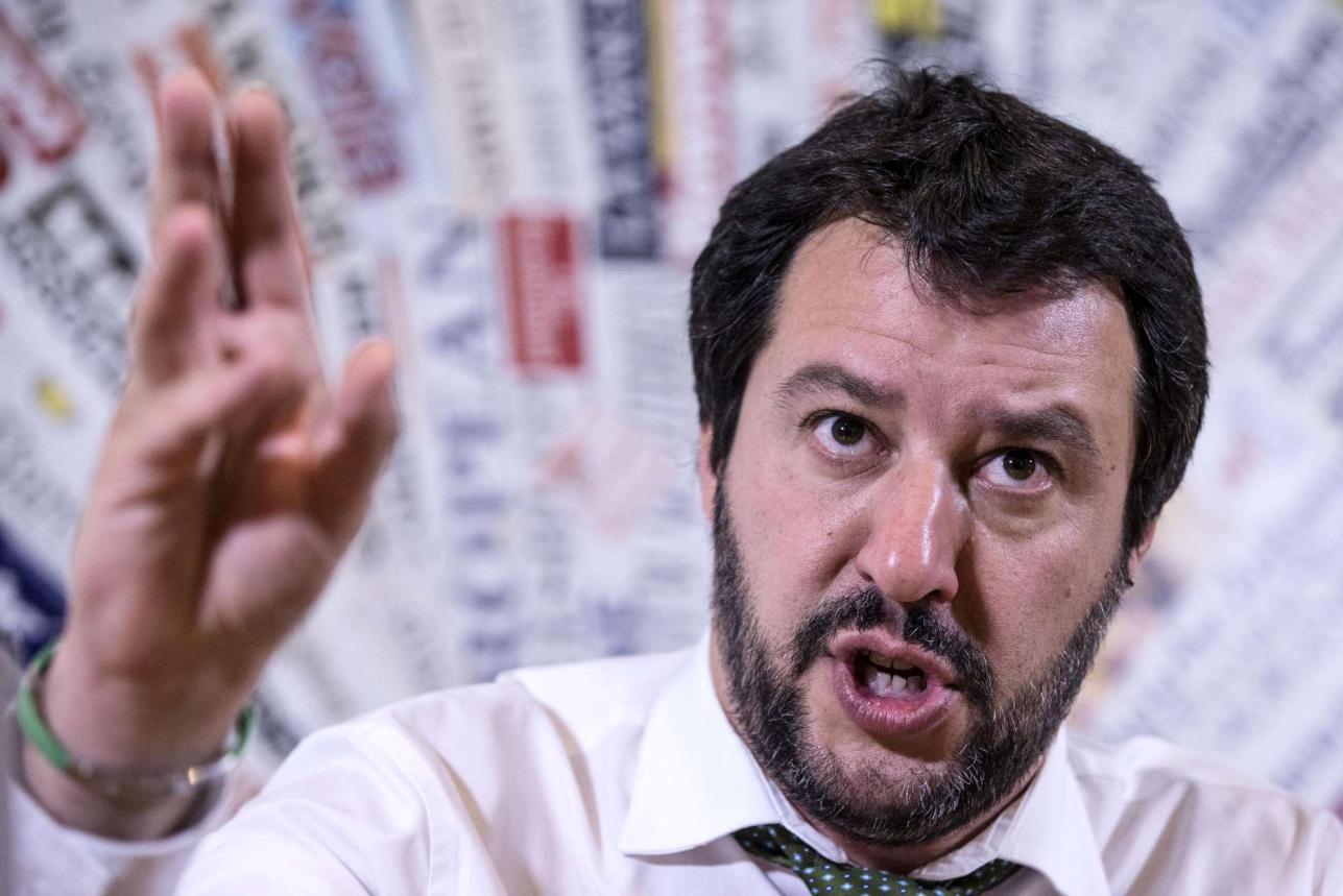 """Matteo Salvini sigla il suo patto con gli italiani: """"Prenderò un voto in più di Renzi"""""""