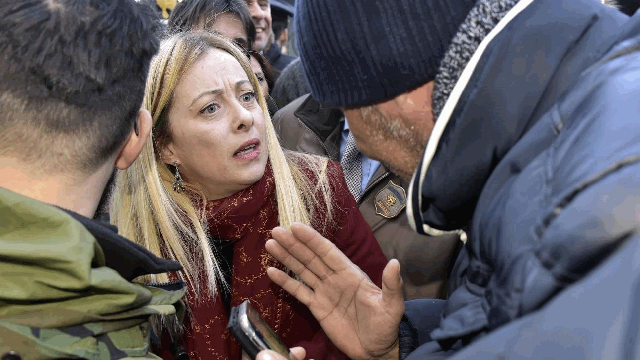 Giorgia meloni aggredita a livorno 21 persone denunciate for Meloni arredamenti oristano