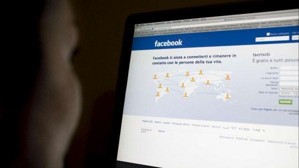 """Facebook, via ai test per il """"non mi piace"""": segnalerà i commenti inadeguati"""
