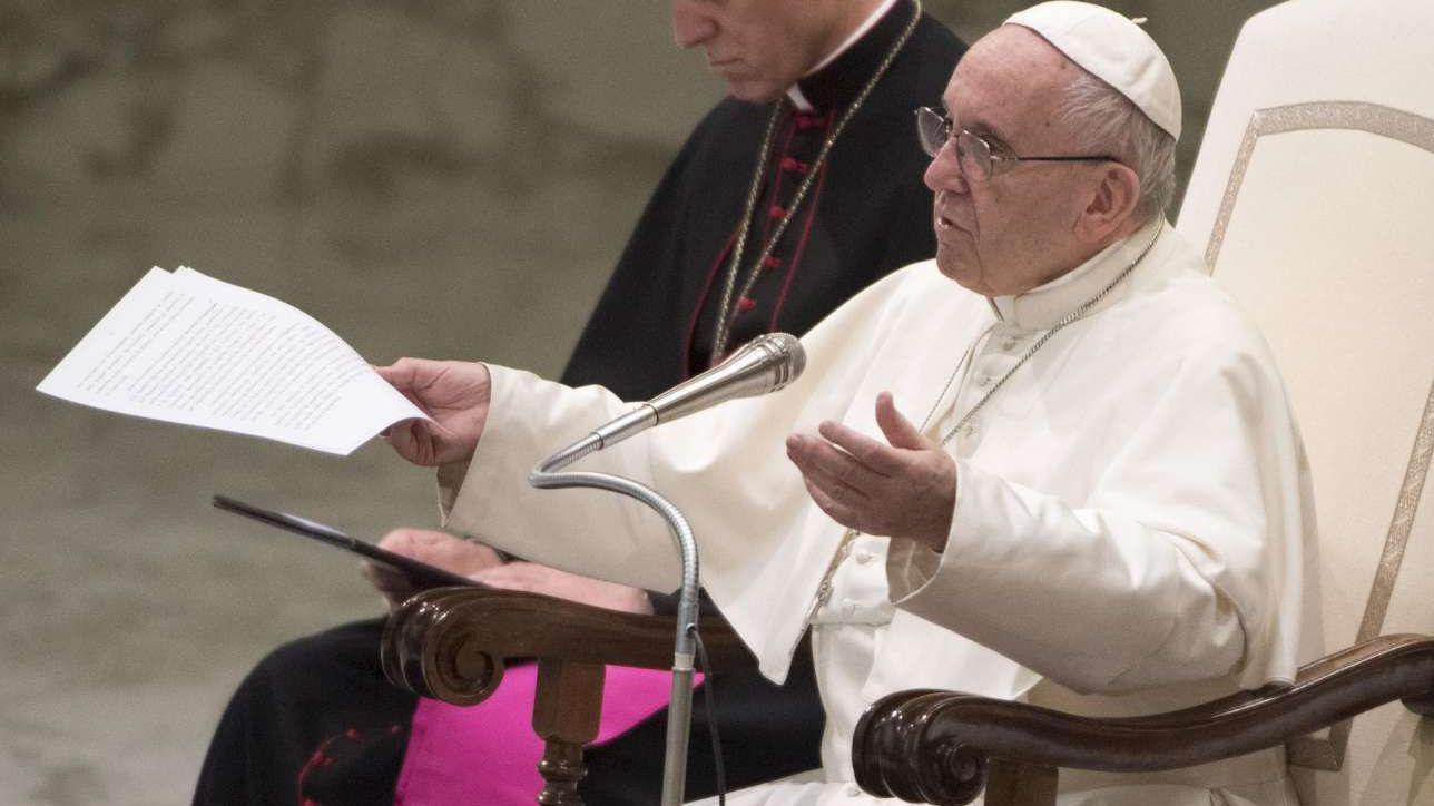 """Il Papa: """"La messa è gratis, non si deve pagare per celebrazione"""""""