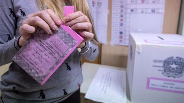 Elezioni stima seggi al senato al centrodestra 113 139 for Seggi senato