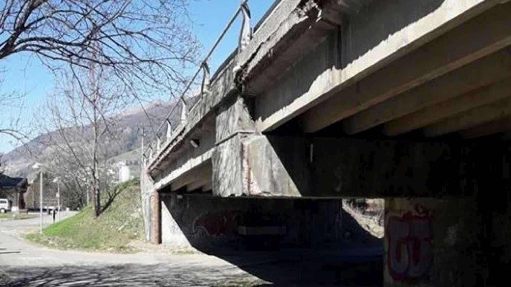 Brescia l 39 allarme del sindaco di ponte di legno da noi for Disegni di ponte a 2 livelli