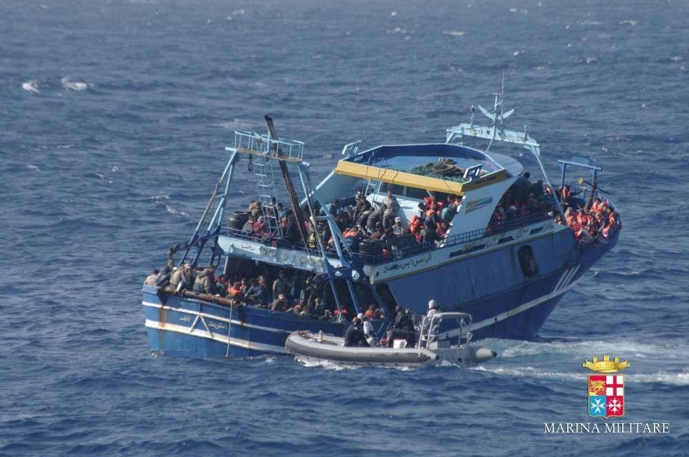 migranti, scafista rivela :
