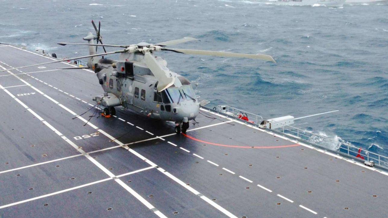 Elicottero Mediaset : Elicottero della marina cade in mare morto un membro dell