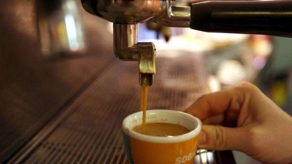 Un caffè al giorno toglie il medico di torno: da proverbio a dato scientifico