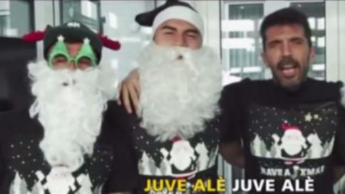 Auguri Di Buon Natale Karaoke.Juve Buon Natale Al Karaoke Tgcom24
