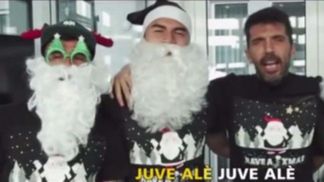 Buon Natale Karaoke.Juve Buon Natale Al Karaoke Tgcom24