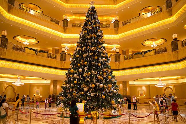 Alberi Di Natale In Legno Addobbati : I alberi di natale più belli del mondo tgcom