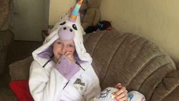 Gb, la madre è in ospedale per l'ultimo saluto alla figlia: i ladri entrano in casa e rubano il Pc con tutte le loro foto