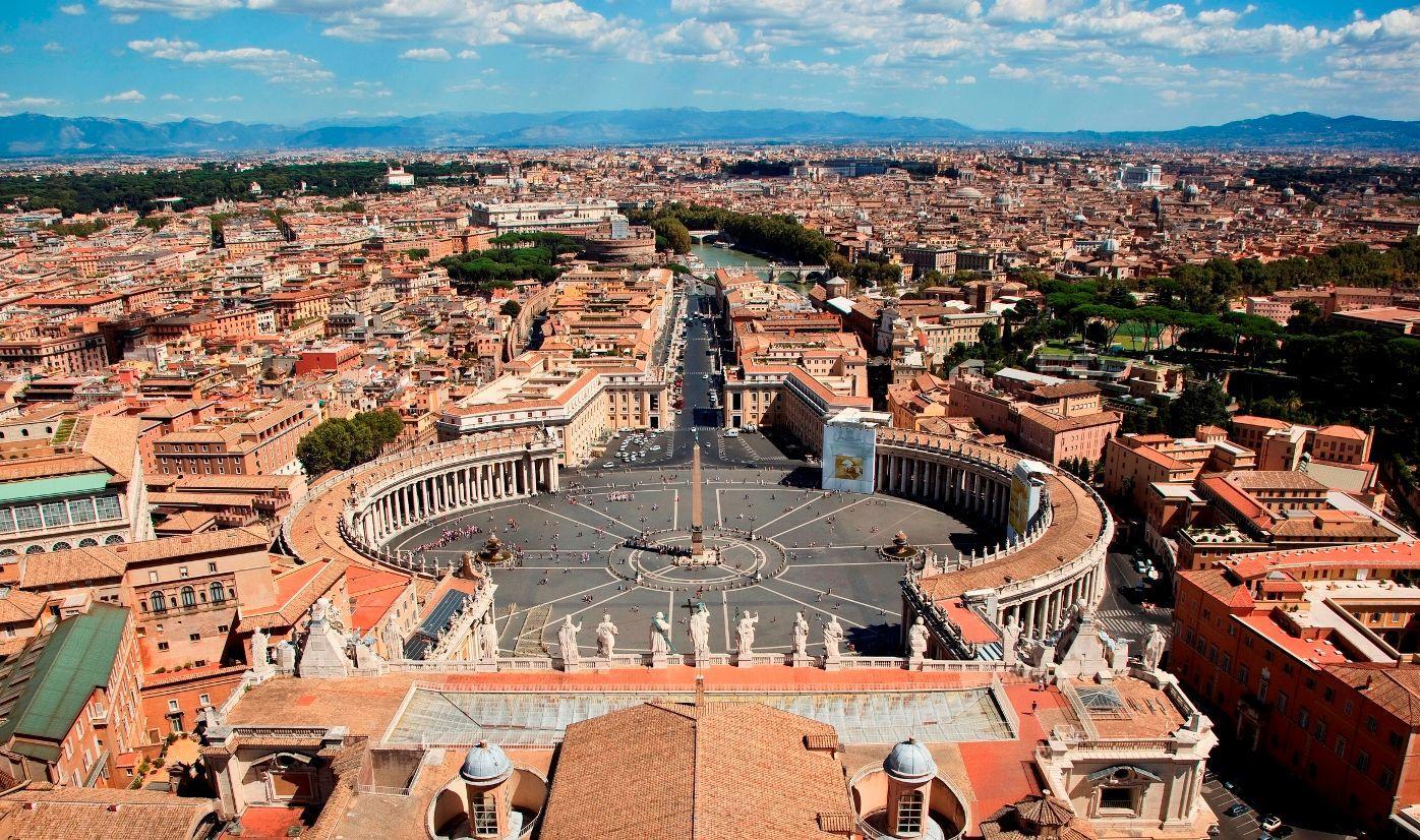 Turisti del mondo pazzi per san pietro e duomo di milano for Due esse arredamenti settimo san pietro