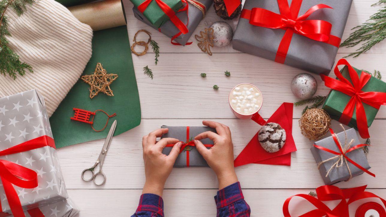 Risultati immagini per pacco natalizio da gentiloni