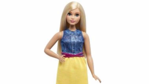 Bambole modello curvy in arrivo le nuove barbie dalle for Bambole barbie