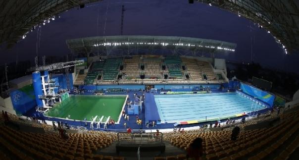 Rio 2016 l 39 acqua della piscina dei tuffi diventata verde tgcom24 - Piscina olimpiadi ...