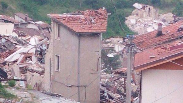 Sisma in Centro Italia: il 92% delle macerie ancora per strada, consegnate solo l'8% delle casette