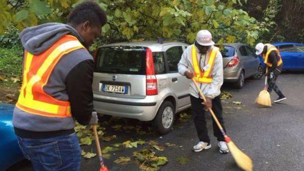 Torino, permesso di soggiorno speciale ai migranti che lavorano - Tgcom24