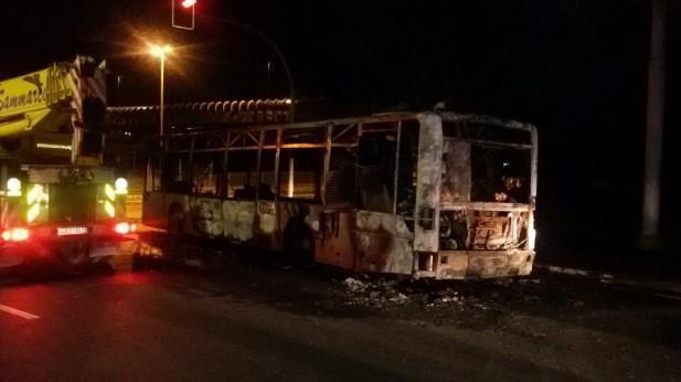 A fuoco bus atac a roma paura e rabbia tra cittadini for Roma mobile atac