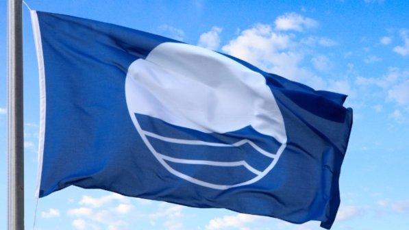 Risultati immagini per bandiera blu 2016
