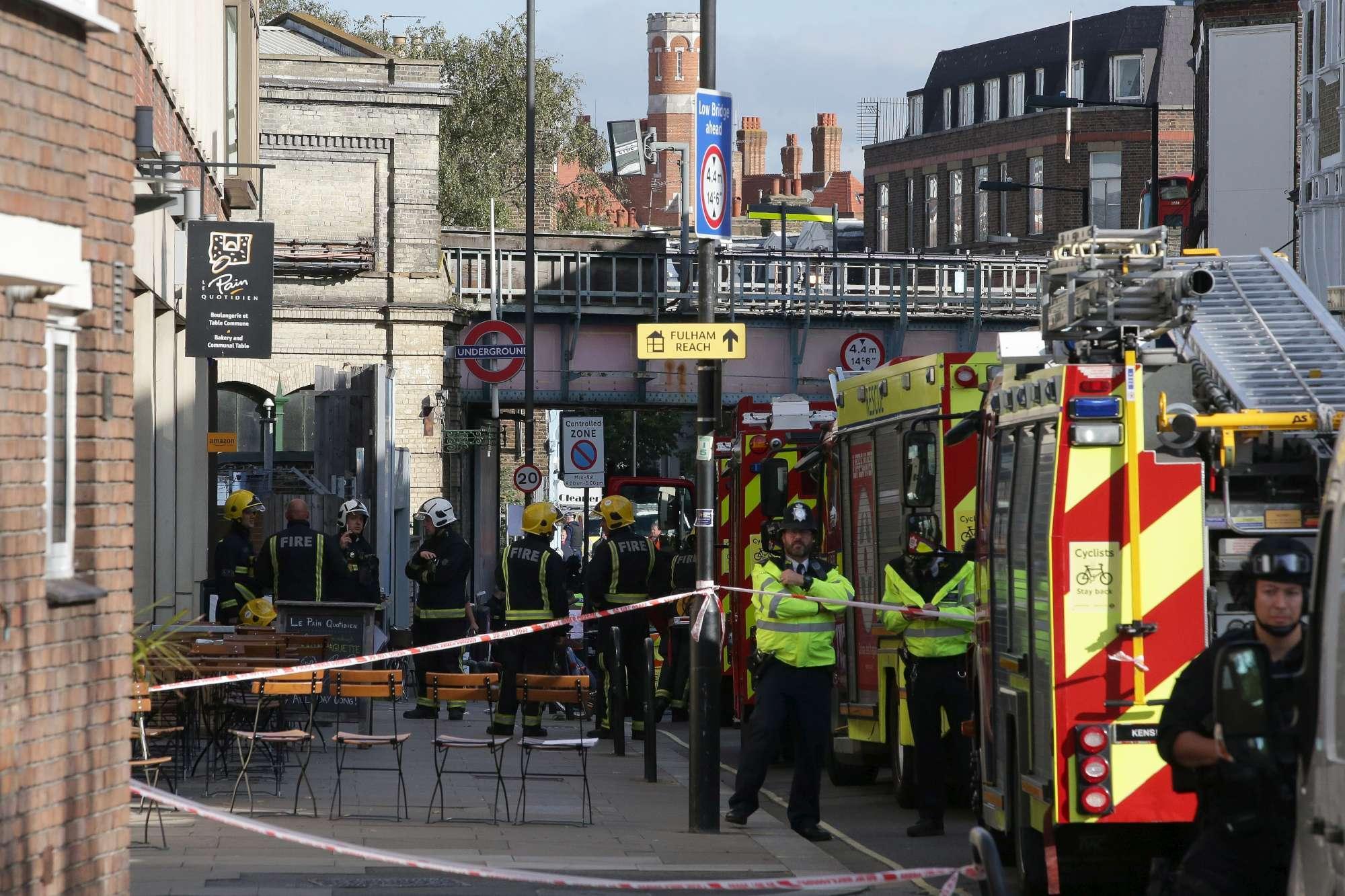 Su Londra torna l incubo terrorismo: esplosione in metropolitana