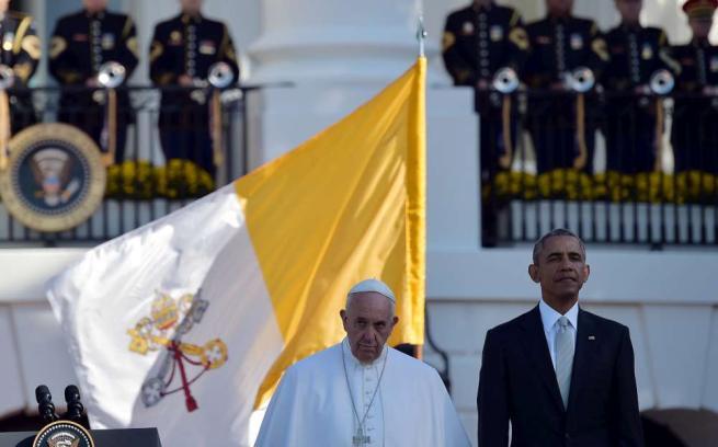 """Usa, Papa Francesco in visita alla Casa Bianca: """"Sono qui da figlio di migranti"""""""