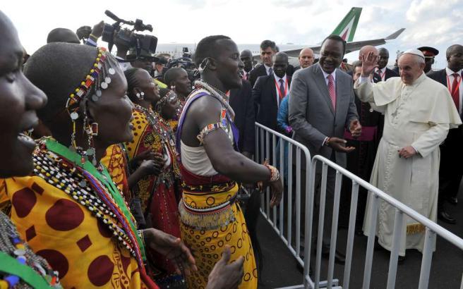 Kenya, Papa Francesco: lotta al terrore e povertà, avanti senza paura