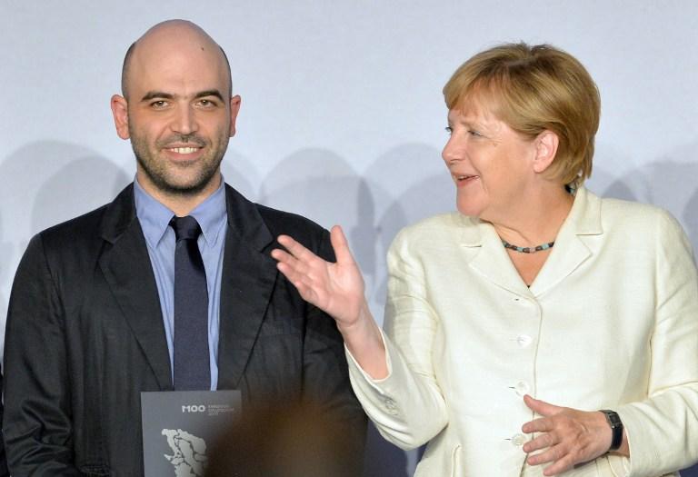 La Merkel elogia Saviano:  Un fulgido esempio di coraggio