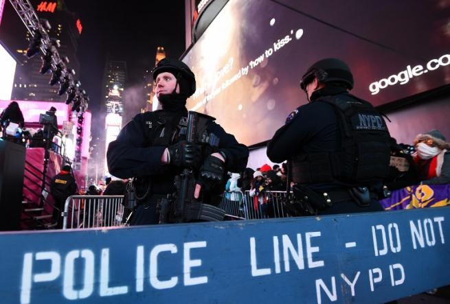Capodanno, tra festa e paura di attacchi Minacce di attentati nelle grandi città Usa