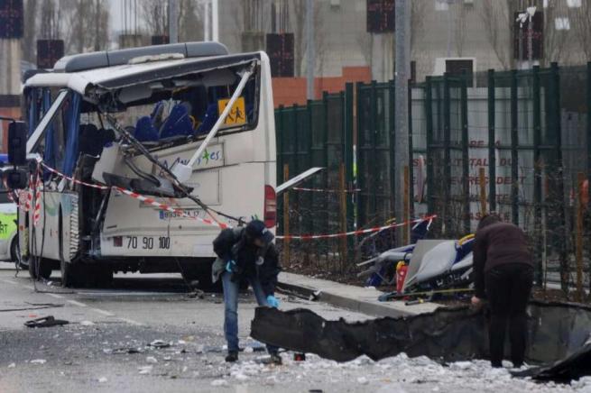 Francia, nuovo incidente a uno scuolabus: sei ragazzi rimasti uccisi