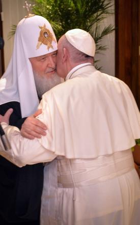 """Papa-Kirill, a L'Avana lo storico abbraccio """"Unità delle nostre chiese è voluta da Dio"""""""
