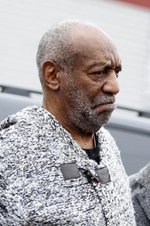 Bill Cosby incriminato per violenza sessuale: libero con una cauzione da 1 mln di dollari