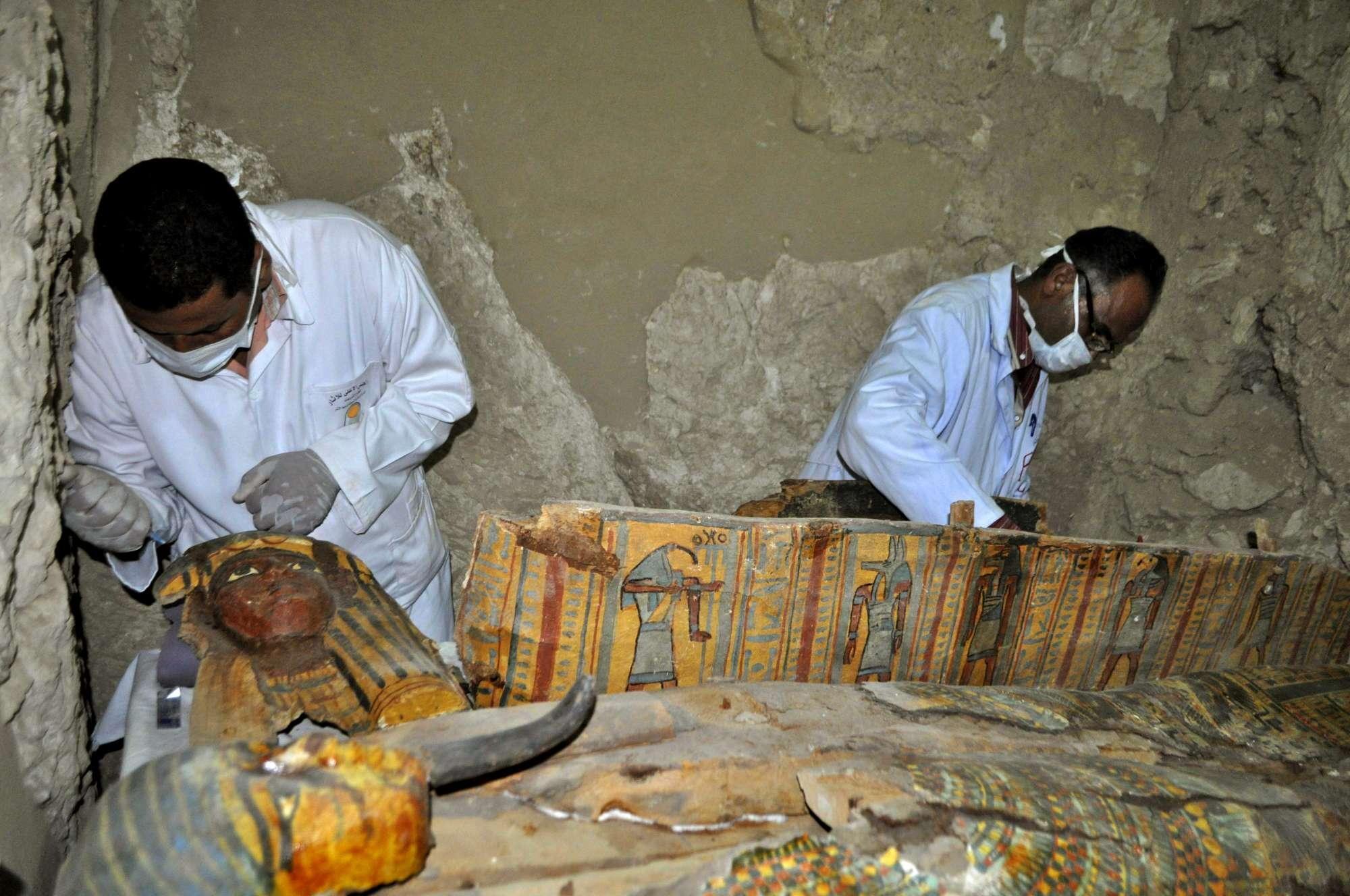 Scoperte Sei Mummie Egizie sepolte in splendidi Sarcofagi a Luxor