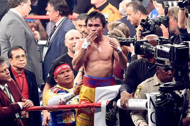 """Boxe, Pacquiao annuncia il salto dal ring alla politica: """"Lascio, vado in Senato"""""""
