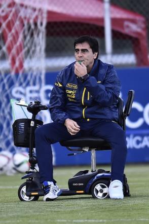 Ecuador, ct infortunato: dirige in scooter