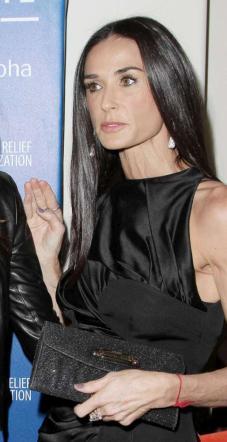 Mila Kunis incinta, Demi Moore è disperata